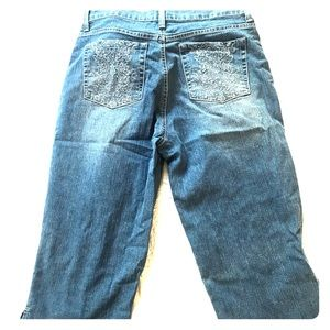 Jean capris with bling bling